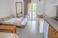 Studios for up to 4 people | Lilly's Island Antiparos